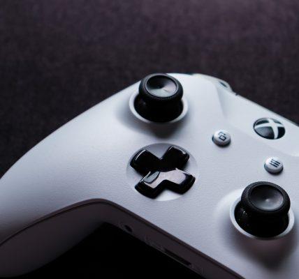 Jak podłączyć słuchawki do Xbox One?